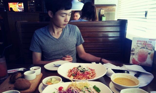 <b>Seunghwan